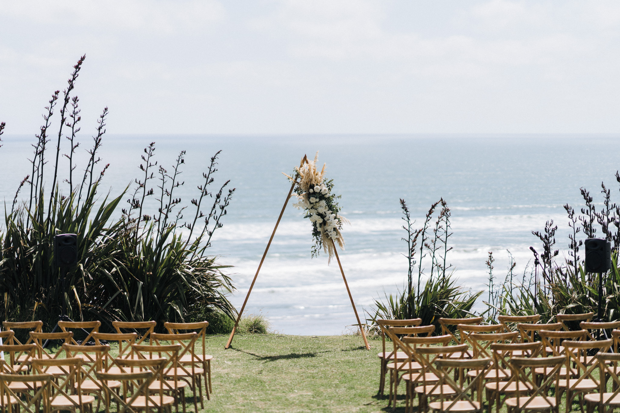 newfound-h-m-castaways-waiuku-auckland-wedding-photographer-106