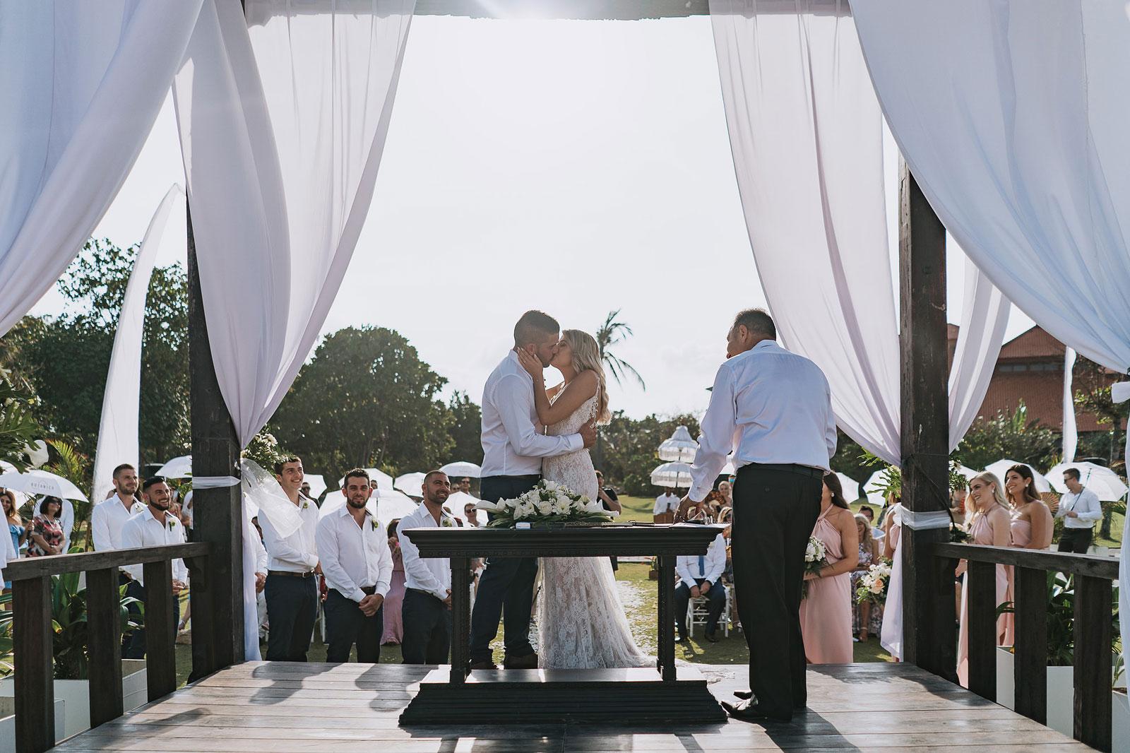 newfound-j-j-bali-nusa-dua-wedding-wedding-photographer-049-a