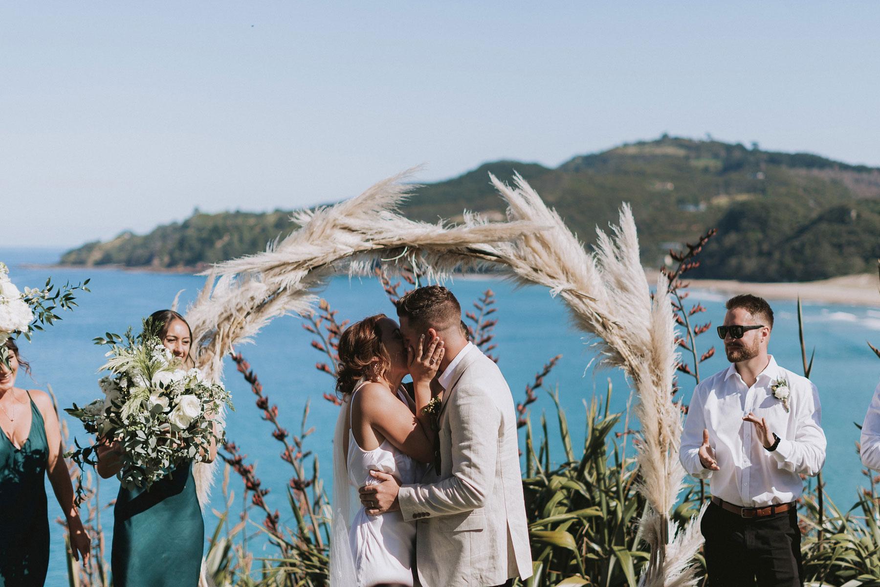 newfound-j-n-orua-beach-house-coromandel-wedding-photographers-472