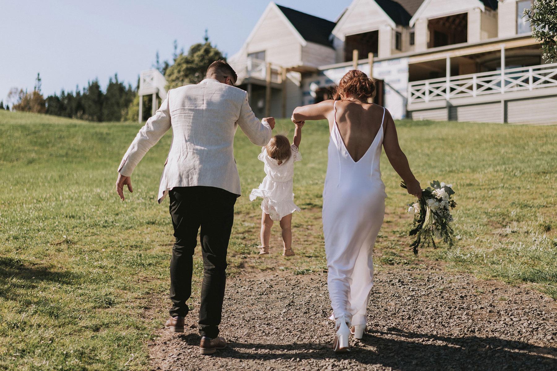 newfound-j-n-orua-beach-house-coromandel-wedding-photographers-554