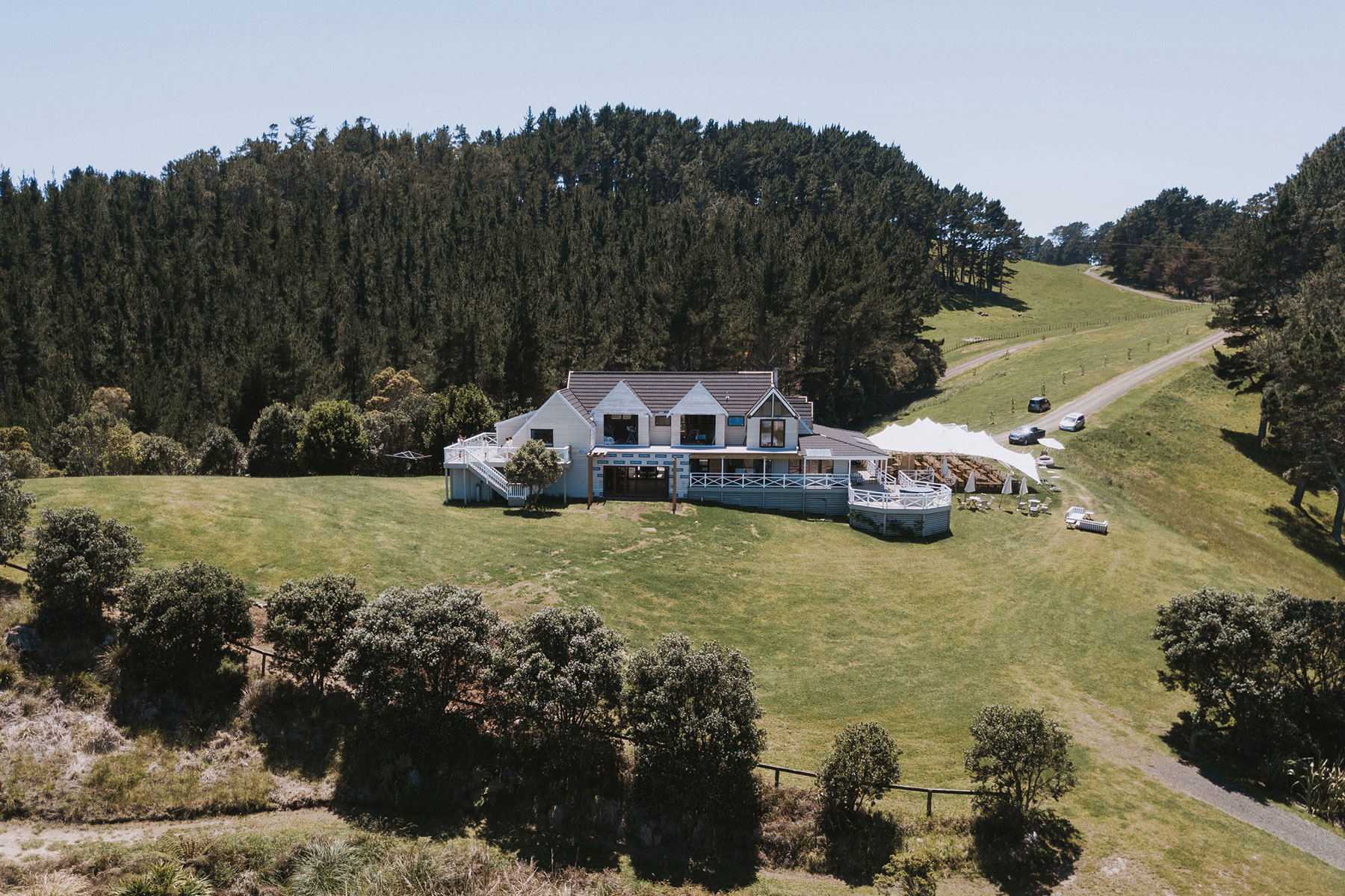 newfound-j-n-orua-beach-house-coromandel-wedding-photographers-7