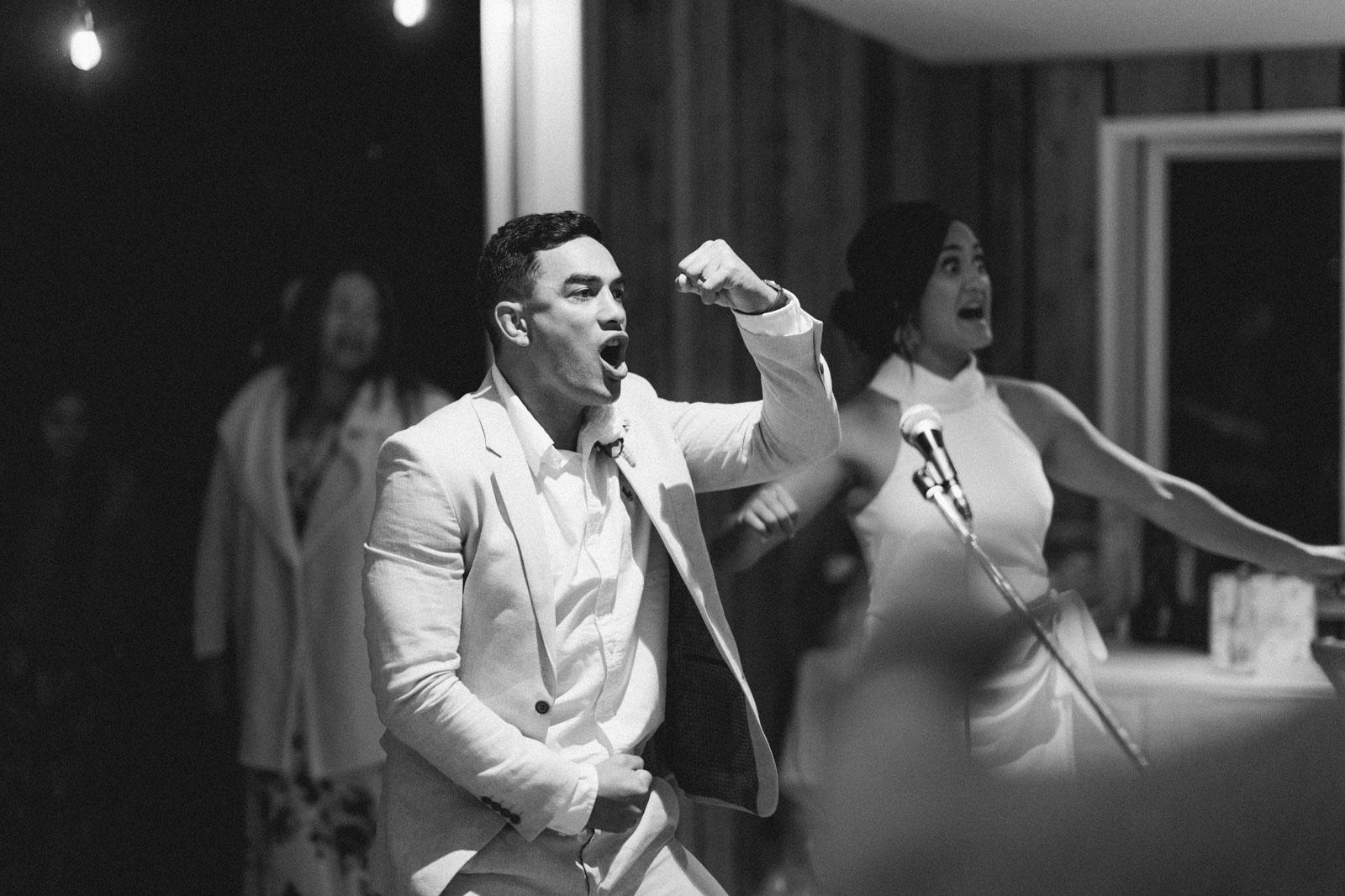 newfound-n-w-black-barn-tarawera-rotorua-wedding-photographer-1082