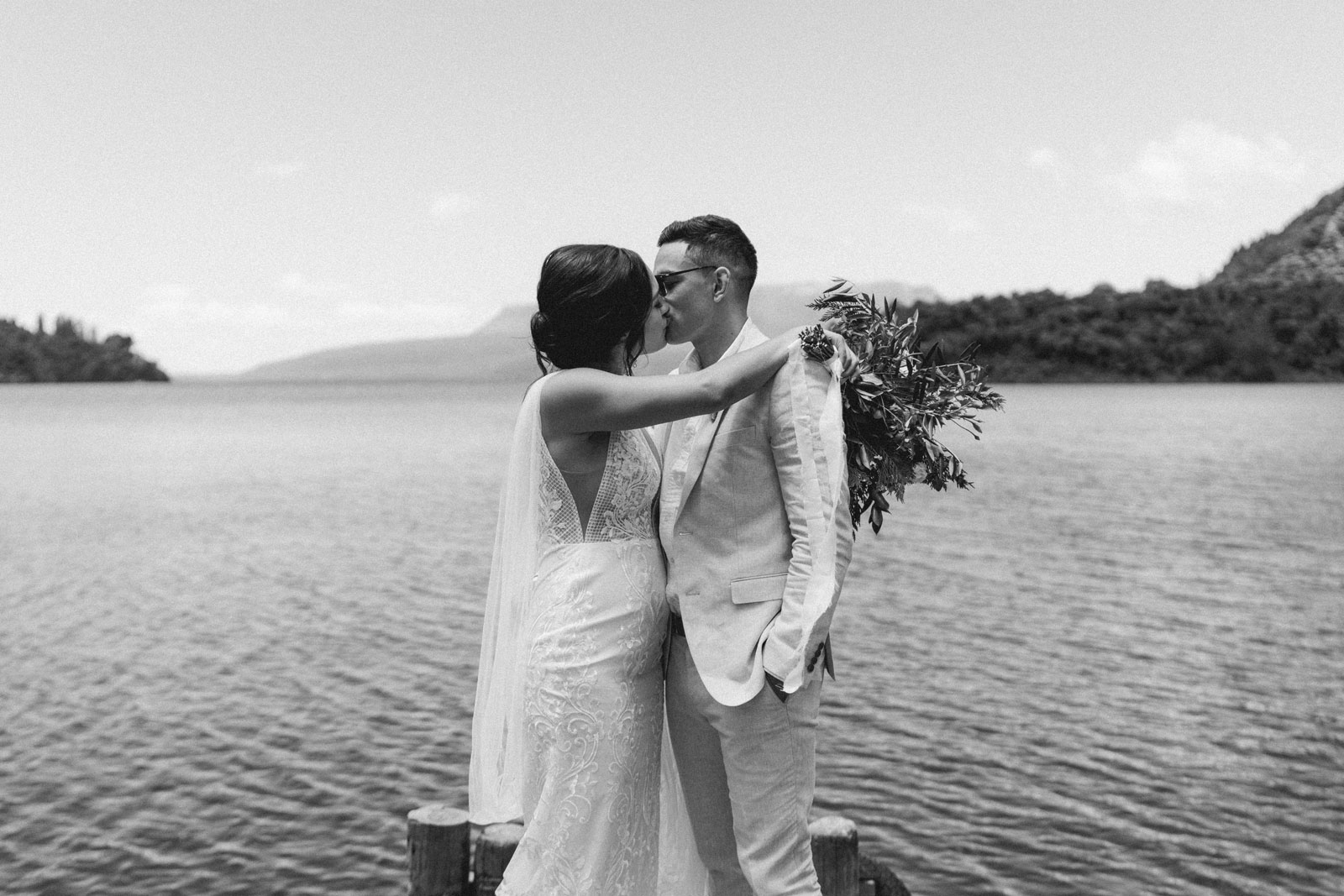 newfound-n-w-black-barn-tarawera-rotorua-wedding-photographer-261A