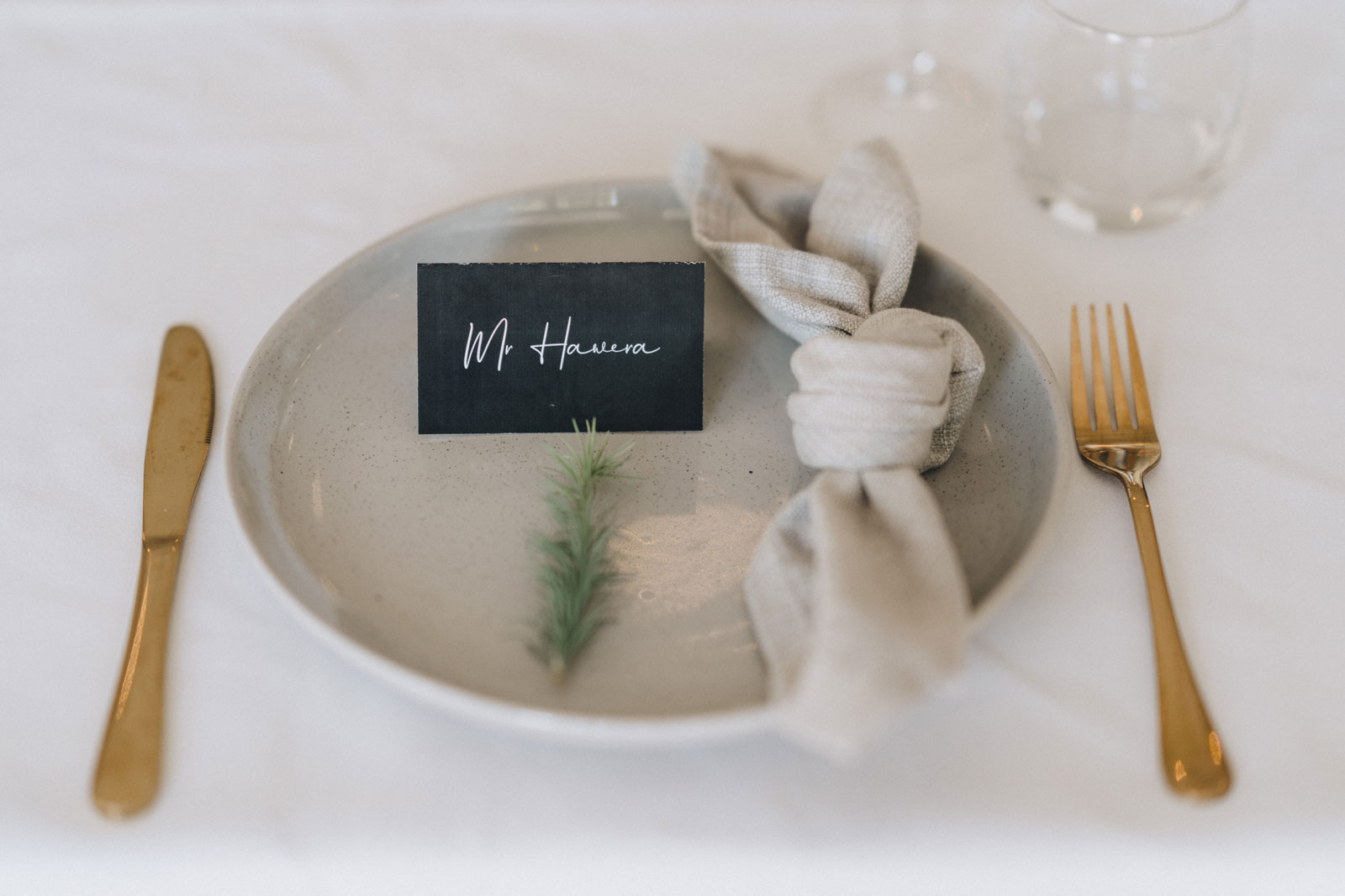 newfound-n-w-black-barn-tarawera-rotorua-wedding-photographer-413