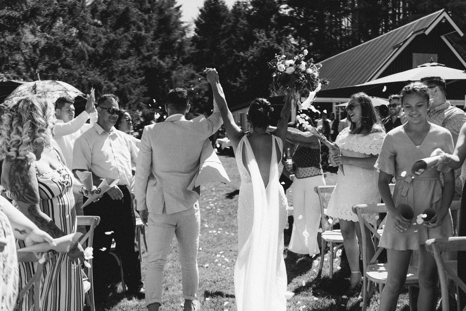 newfound-n-w-black-barn-tarawera-rotorua-wedding-photographer-582A