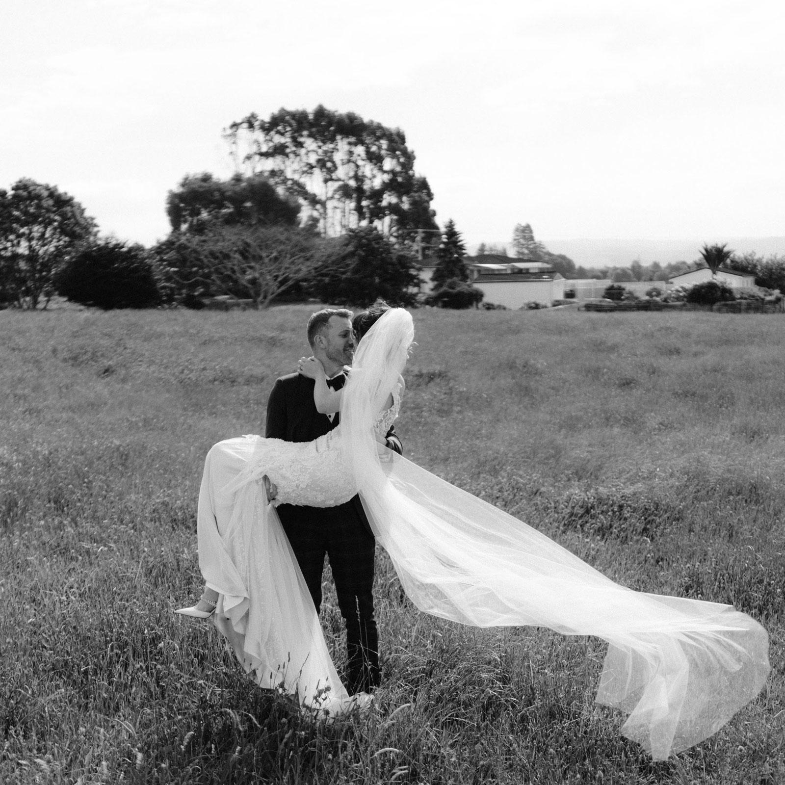 newfound-n-c-olive-tree-cottage-tauranga-wedding-photographer-722
