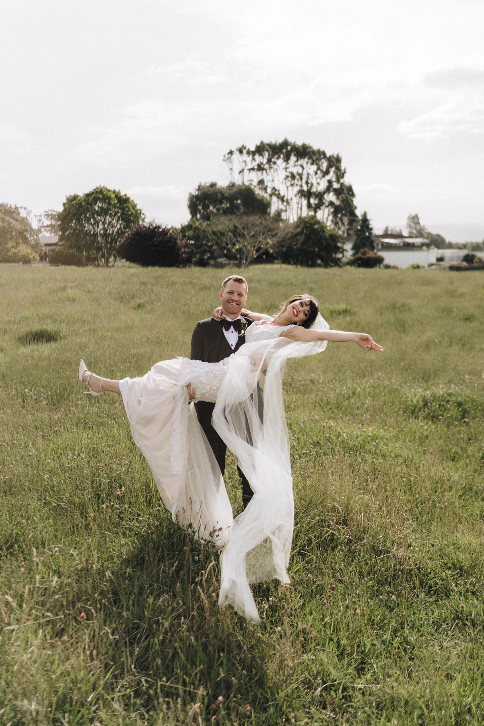 newfound-n-c-olive-tree-cottage-tauranga-wedding-photographer-728