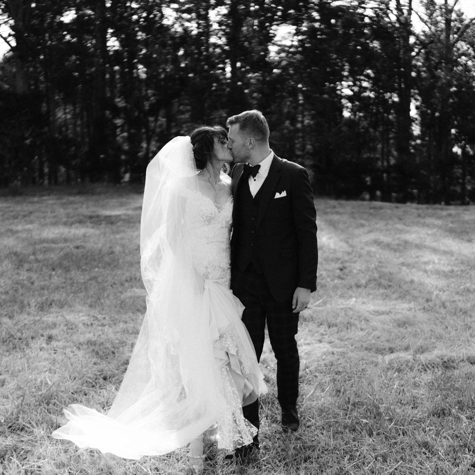 newfound-n-c-olive-tree-cottage-tauranga-wedding-photographer-840A