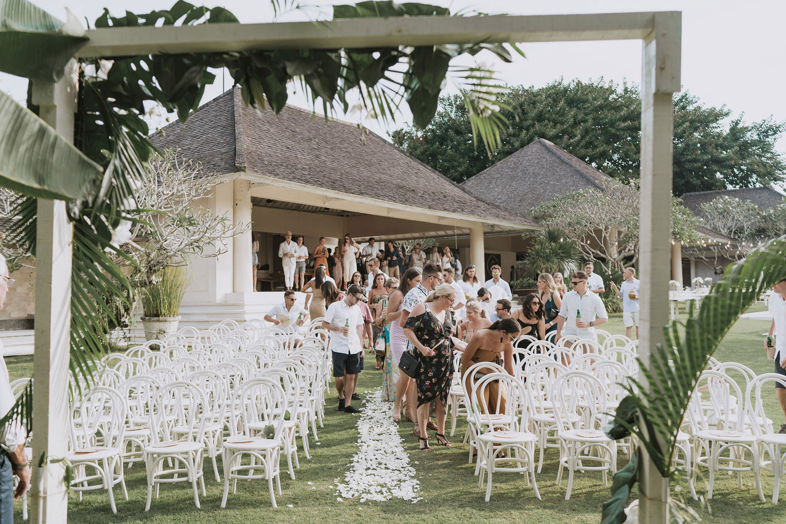 newfound-t-k-canggu-bali-ubud-wedding-photographer-355