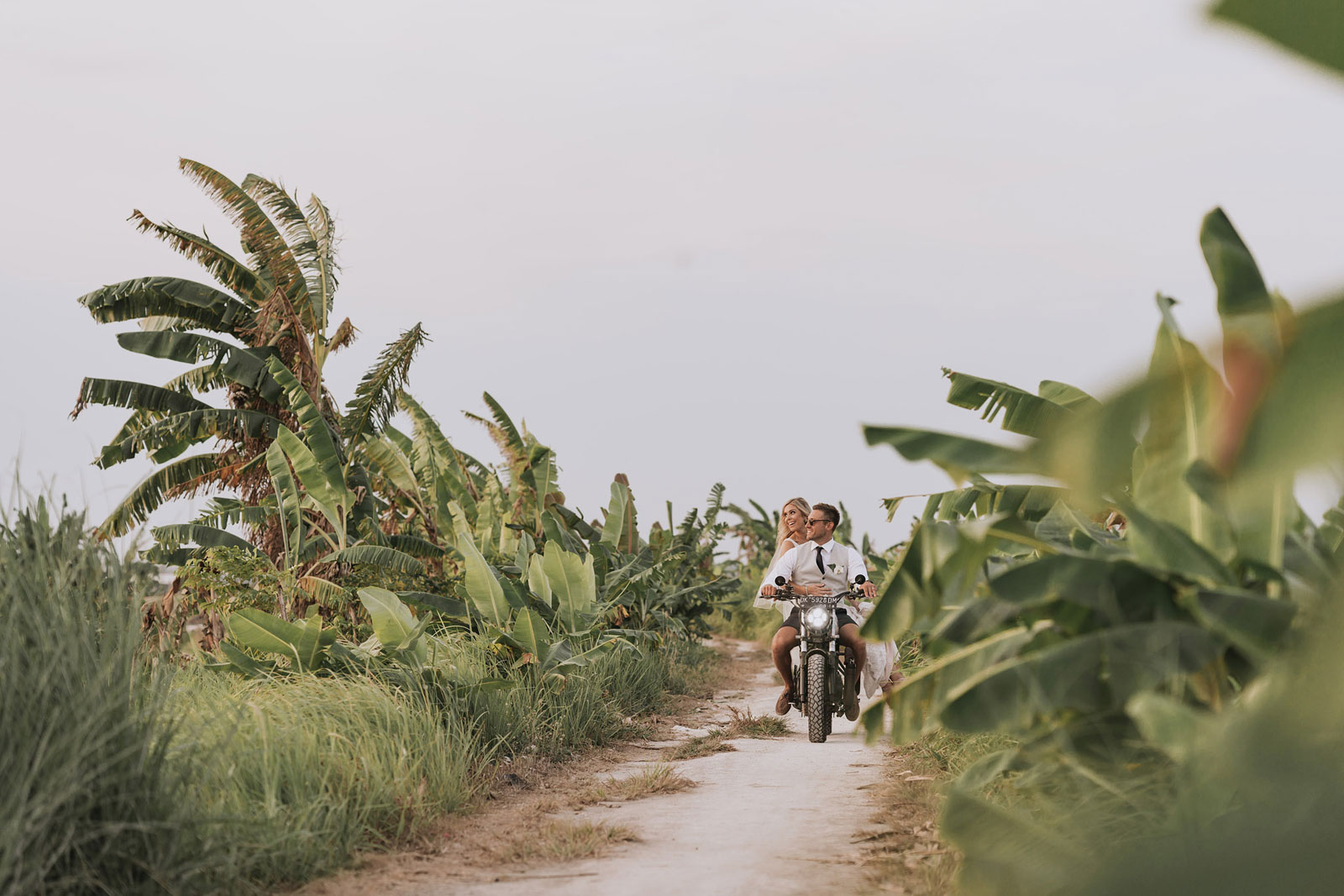 newfound-t-k-canggu-bali-ubud-wedding-photographer-701