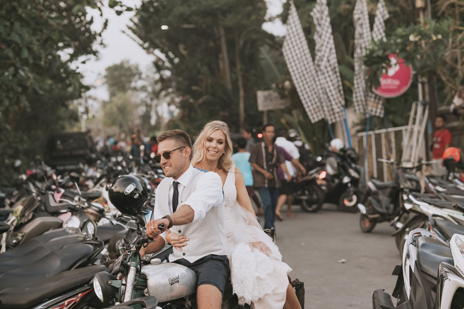 newfound-t-k-canggu-bali-ubud-wedding-photographer-714